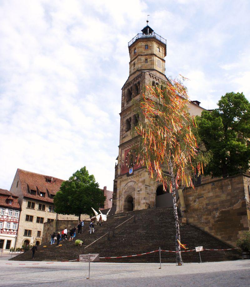 Der Marktplatz mit der Kirche St. Michael