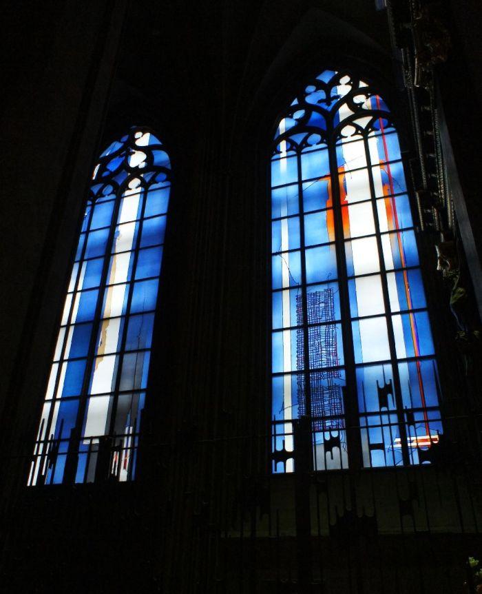 Die Kirchenfenster von Johannes Schreiter im Mainzer Dom (Anfang 21. Jh.)