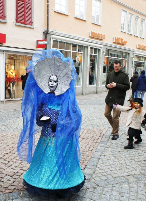 Hallia Venezia 2013 - Dame in Blau (c)moinservus!