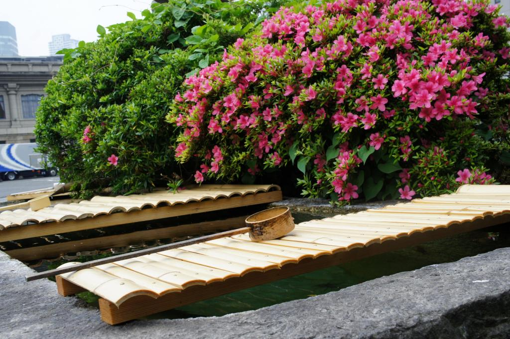 Waschbecken vorm Tsukiji Hongwanji