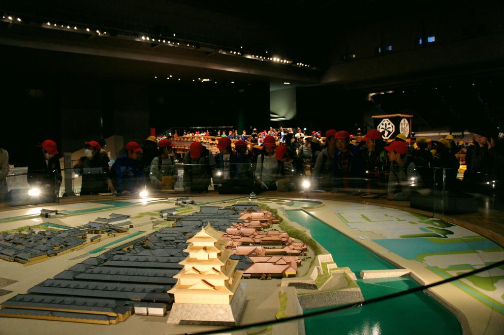 model of Honmaru and Ninomaru Palaces in Edo Castle in the Last Years of the Tokugawa Shogunate